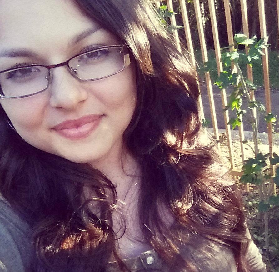 Ruth, Writer | missruthelias.com